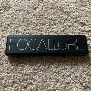Focallure ultimate eyeshadow palette